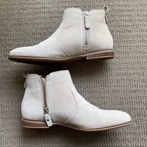 Steve Madden Ashleen Gray Suede Booties Size 38